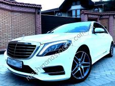 Автомобиль на свадьбу белый Мерседес w222 s-class. Роскошный седан Фото